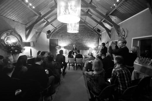 Nederlandse bruidsfotografie huwelijk bruiloft van Renate en Bram in Leiderdorp