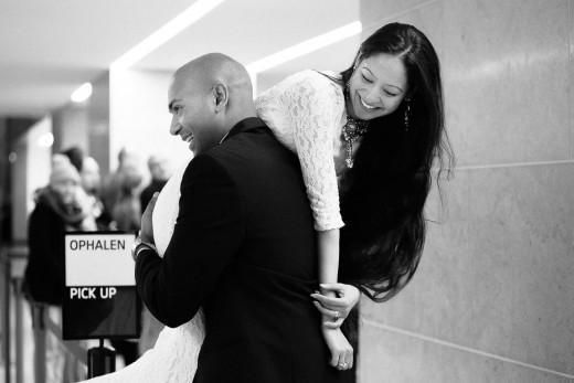 Loveshoot , bruidsfotografie, trouwreportage van Kiran en Sujata in het centrum van Amsterdam