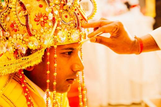 Hindoestaanse bruidsfotografie trouwreportage huwelijk bruiloft en de rituelen tijdens bhatwaan en vivaah