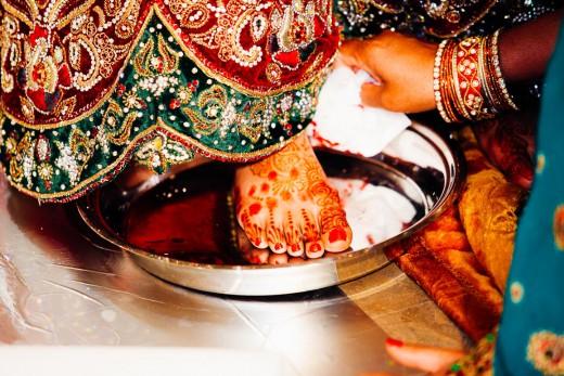 Hindoestaanse bruidsfotografie trouwreportage huwelijk bruiloft en de rituelen tijdens vivaah