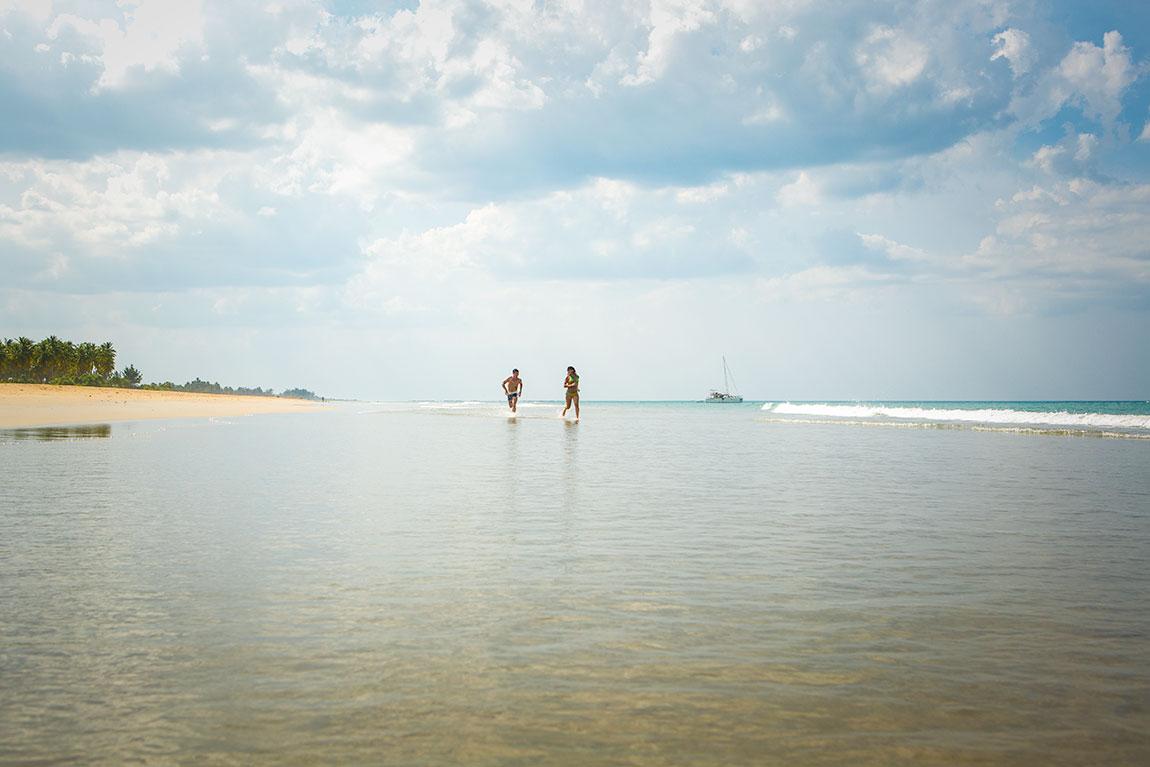 srilanka-italian-loveshoot-shoot2-nilaveli-beach-photography